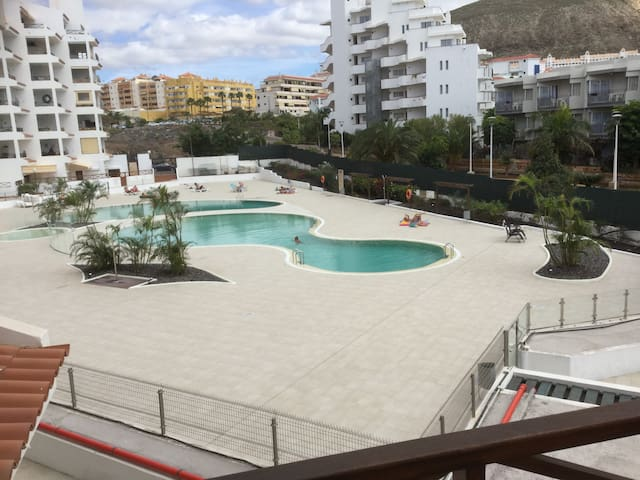 Modern & Cozy Apt at Heart of Los Cristianos!