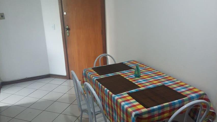 Quarto a 5 min da Rua da Lama - Vitória - Apartamento
