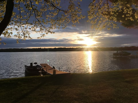 Lake Front Home in Brainerd Area - Family Friendly