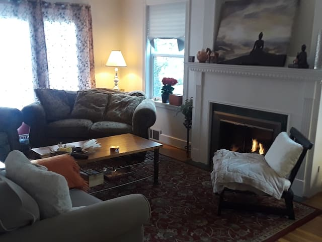Small, Private Room, Long Stays Welcome!