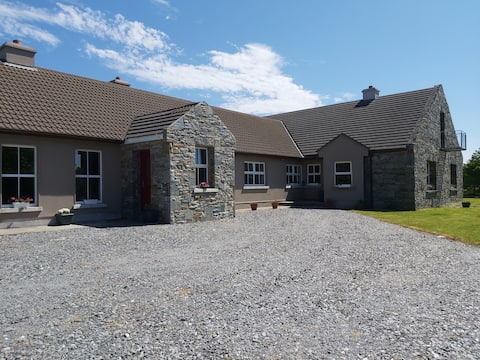 Shanakeever Farm **  Clifden Country homes