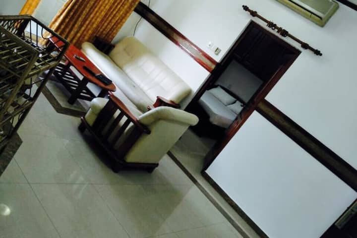 Stay at low cost Apartment in Colombo