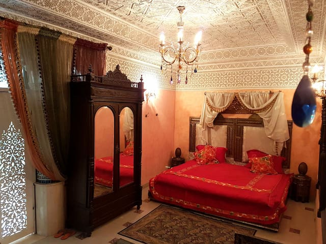 The Entire Floor of the RIad + Free Breakfast - Meknes - Pension