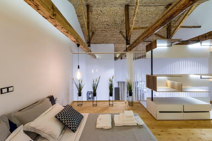 Aigli Seafront Duplex - Luxury Designer Loft