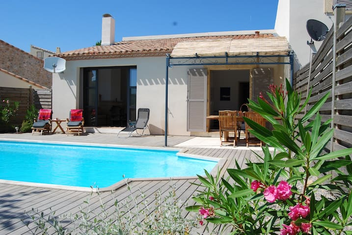Gorgeous Villa with private pool on the hillside - Durban-Corbières - Huis