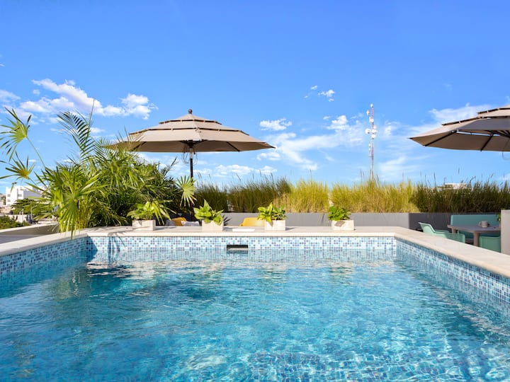 Find Peace at a Boutique Studio with Rooftop Pool
