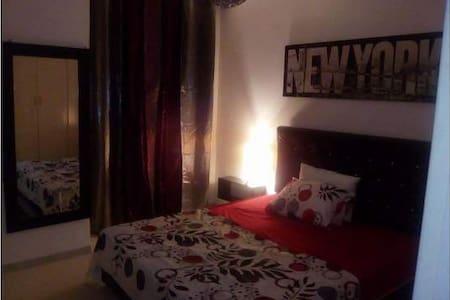 Bel appartement s+1 richement meublé - Soukra - Leilighet