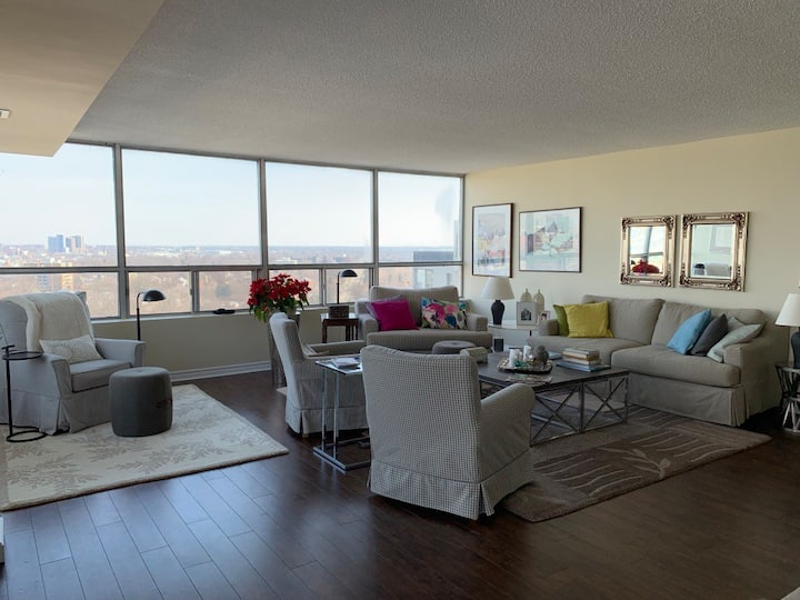 Huge 3-bdrm penthouse, terrace and sunset views