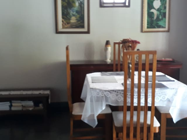 Casa inteira toda mobiliada Centro Porto Seguro.