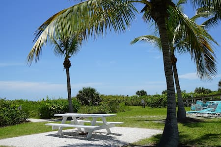 Gulf Breeze Cottages, Sanibel, FL