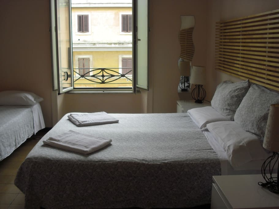 triple room (private bathroom outside of the room)