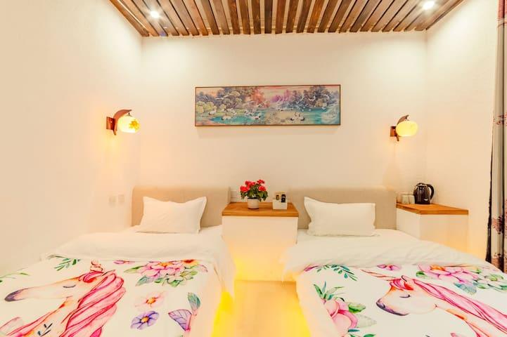 《吉光民宿》ins风舒适双床房,旅游咨询,旅游攻略,旅拍,包车,停车,免费饮茶,喝酒