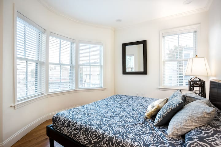 Broadway New & Nice Renovated One Bedroom