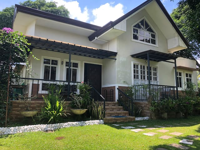 Felicitas House#1, 15pax w/pool & Netflix