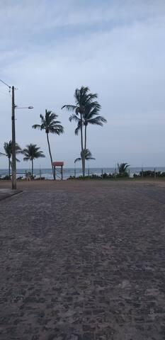 Acesso direto a praia.