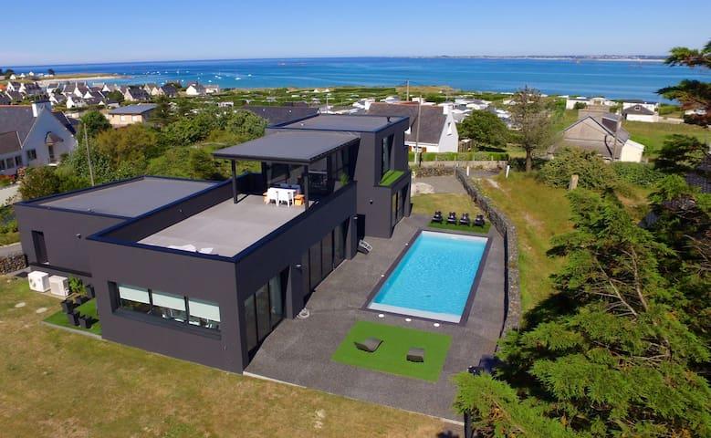 Villa bord de mer avec piscine 28°c - Plounéour-Trez - Huvila