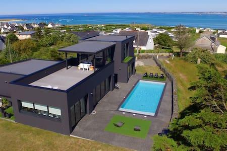 Villa bord de mer avec piscine 28°c