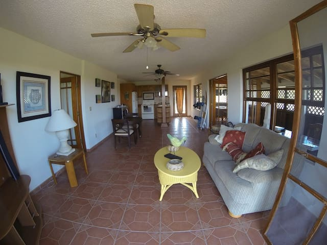 La Creole Kite House 2 Bedroom Providenciales - Providenciales - Casa