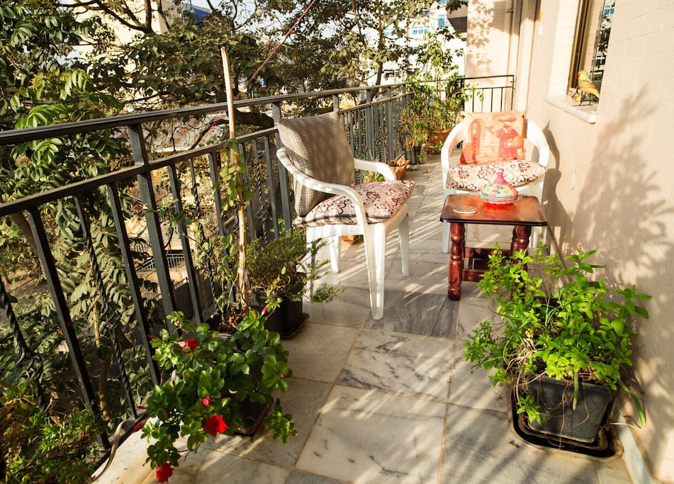 Big balcony with garden and great view.