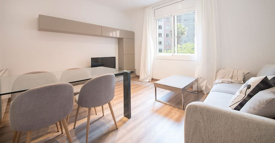 YH5/4-Berna 14 1/2 | The Perfect Apartment For You