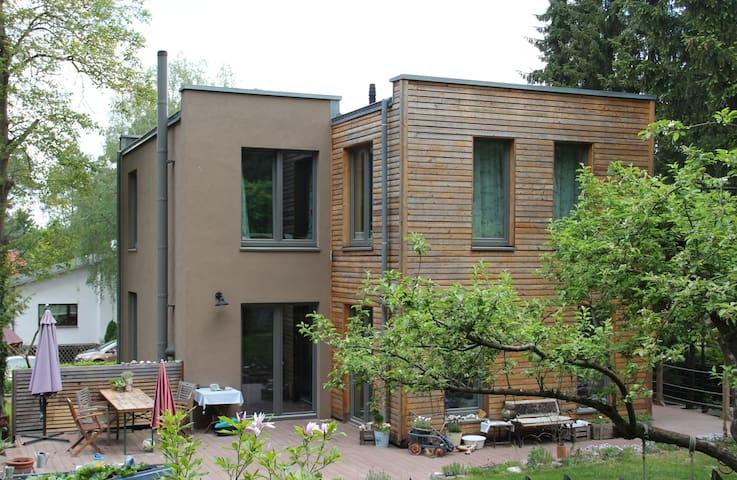 Gemütliches Einfamilienhaus am Rande von Berlin - กรุงเบอร์ลิน - บ้าน