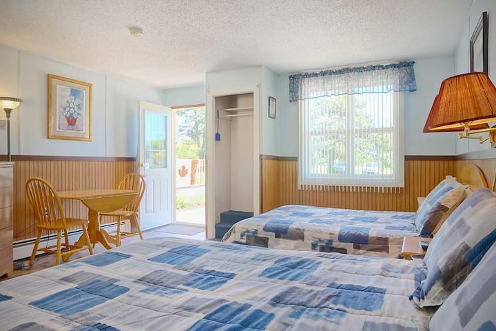 Private Double Suite at Green Acres Summerside