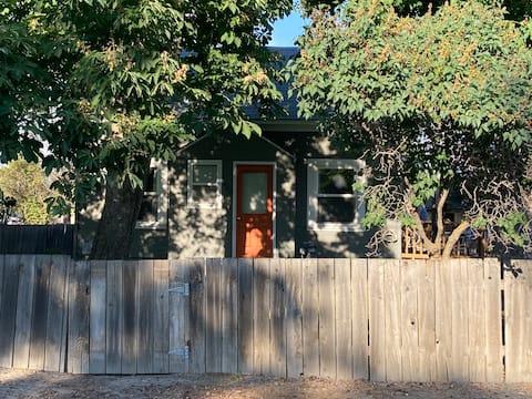 Cowboy Cottage in Baker City Oregon