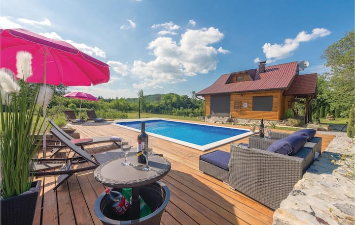 Stunning home in Gospic with WiFi, Outdoor swimming pool and 3 Bedrooms