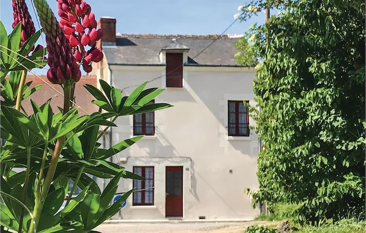 Terraced house with 2 bedrooms on 55m² in Descartes