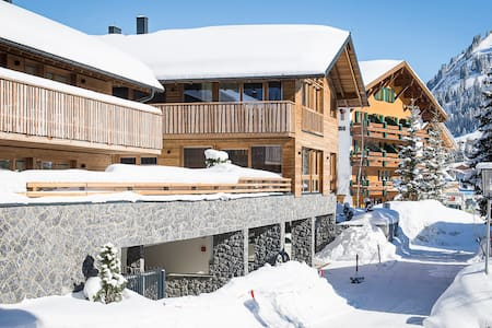 Luxury Chalet Laurus in the heart of LECH - Lech