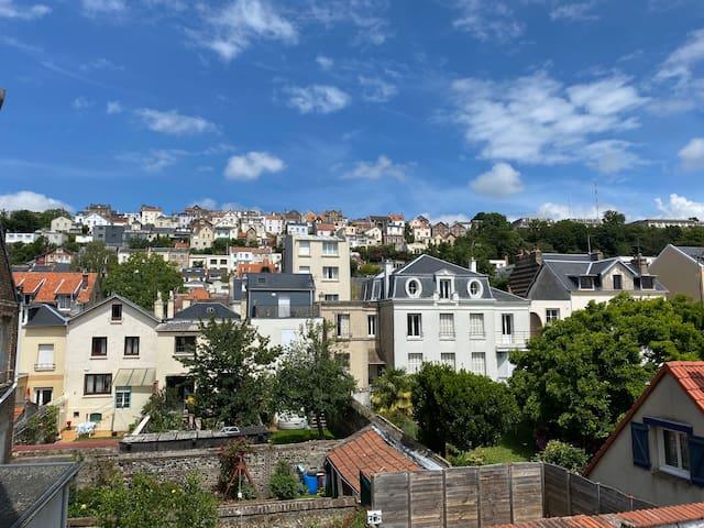 Deux pièces rénové centre ville au calme