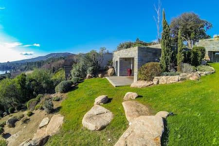 Suite indépendante dans villa de luxe avec vue mer - Lecci - Villa