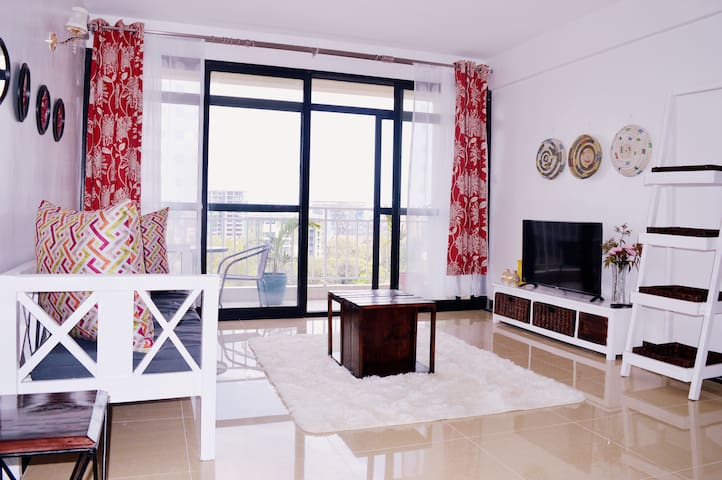 Stylish Pent View Apartment At yaya centre