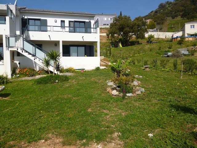 Bel f3 tout confort dans villa - Bastia - Apartemen