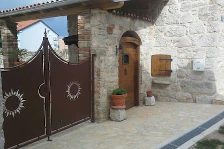 Beautiful stone family house - funtana