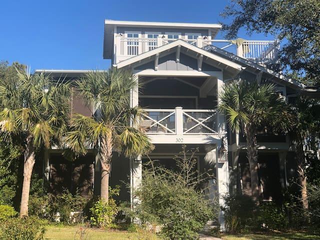 Beach House New 4BR, 3.5 Bth, Ocean View, Pool Tbl