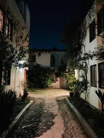 La casa de noche