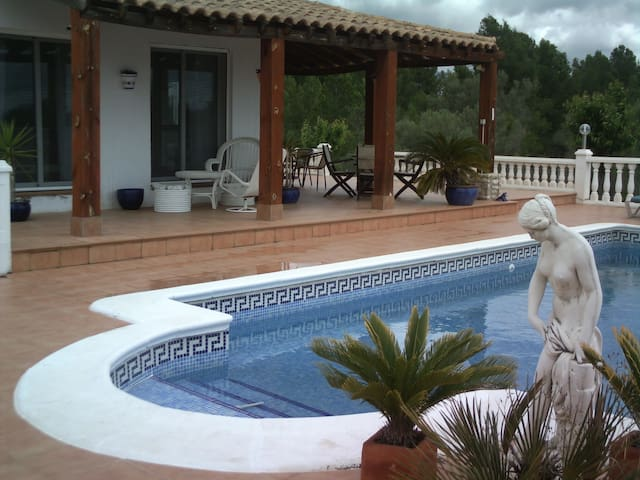 Secluded country house with pool - L'Ametlla de Mar - House