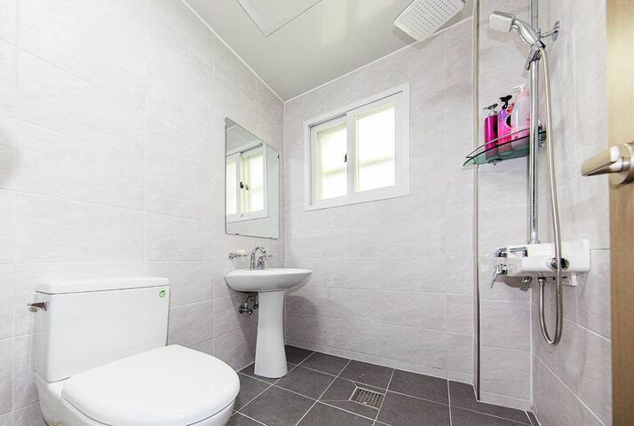 Goldenbeach motel -ondol room 보령대천 해수욕장 골든비치텔