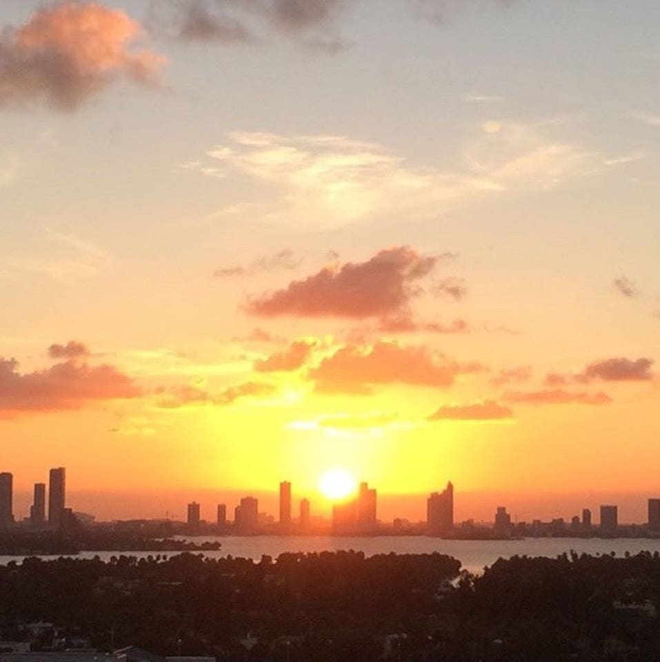 From the balcony you can experience at 8:02pm (ET) the magnificent Sunset of Miami Beach.