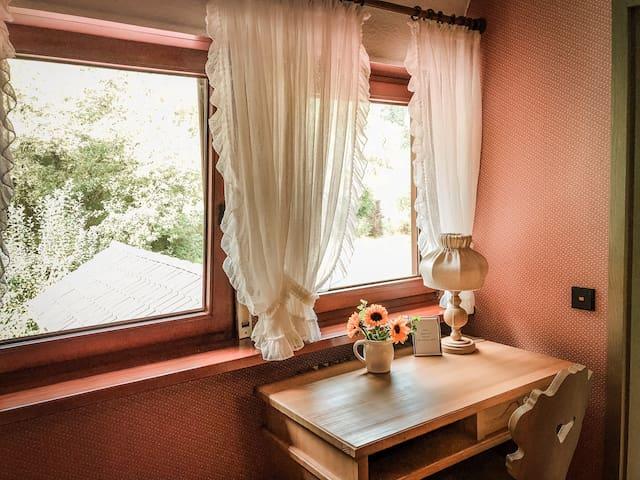 Gemütliche Zimmer im idyllischen Örtchen Baach