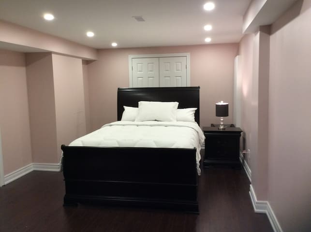 One Bedroom suite, Private entrance/washroom