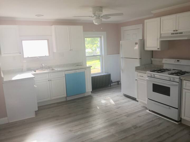 3bd Centrally located Boston apartment