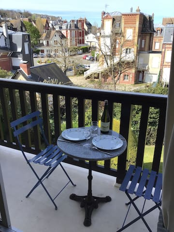 Grand balcon :déjeuner en tête à tête