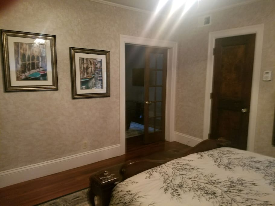 Master bedroom - picture 3