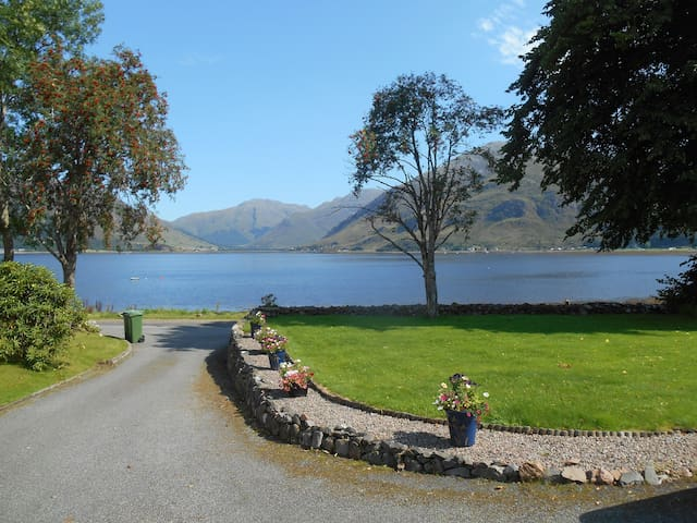 The Saddle, self contained property on Loch Duich