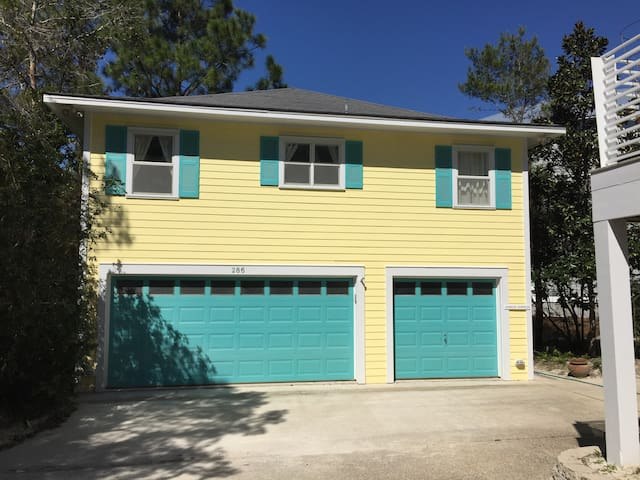 Carriage House in Old Seagrove