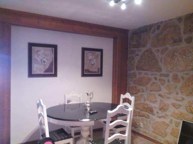 Acolhedor e charmosa - Belmonte - Dům