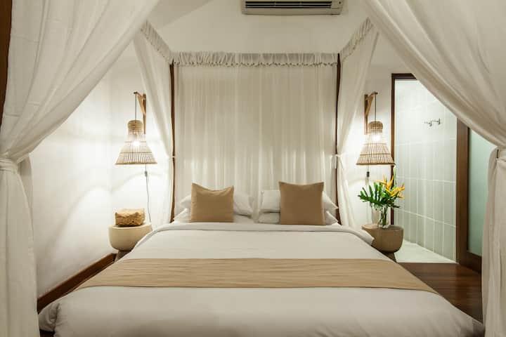 Boutique 3 Bedrooms Villa in the Heart of Seminyak