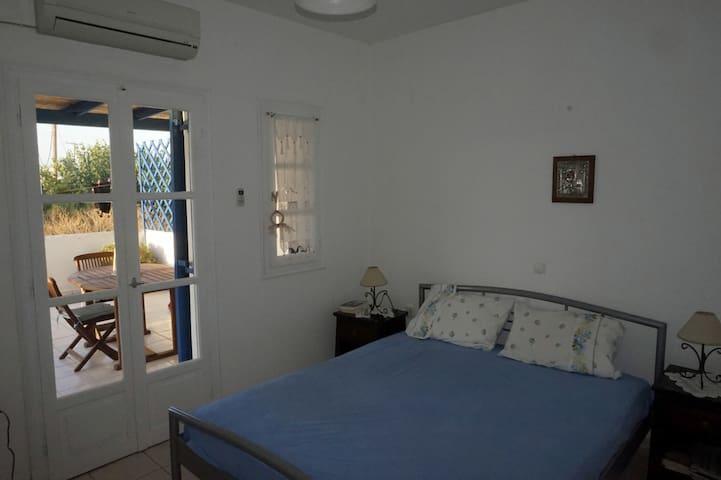 Ευάερο υπνοδωμάτιο με κλιματισμό